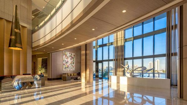 Privé lobby Aventura