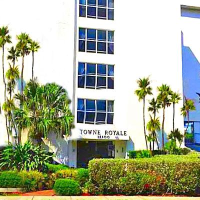 towne royale apartment building